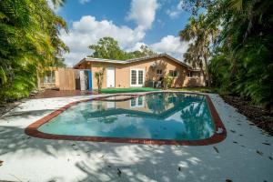 8680 NW 32nd Street, S & N, Coral Springs, FL 33065