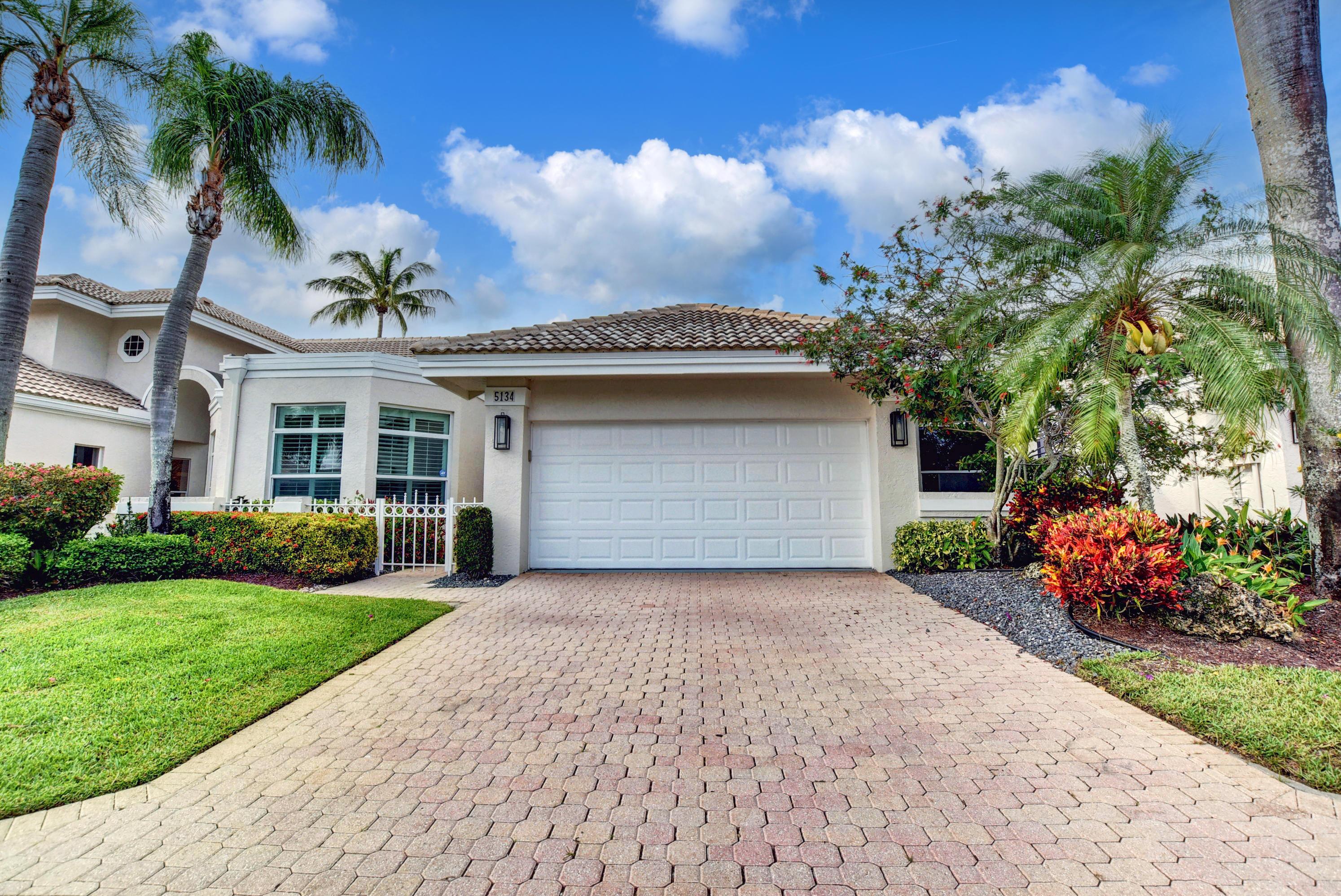 5134  Windsor Parke Drive  For Sale 10711294, FL