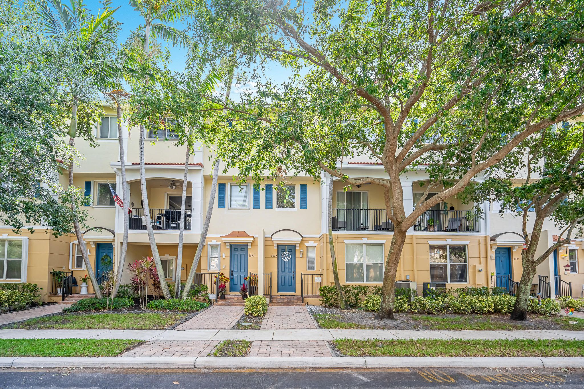 2879 S Oasis Drive  For Sale 10710897, FL