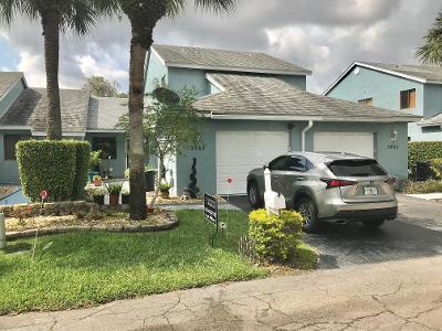 Home for sale in Island  Club Lake Worth Florida