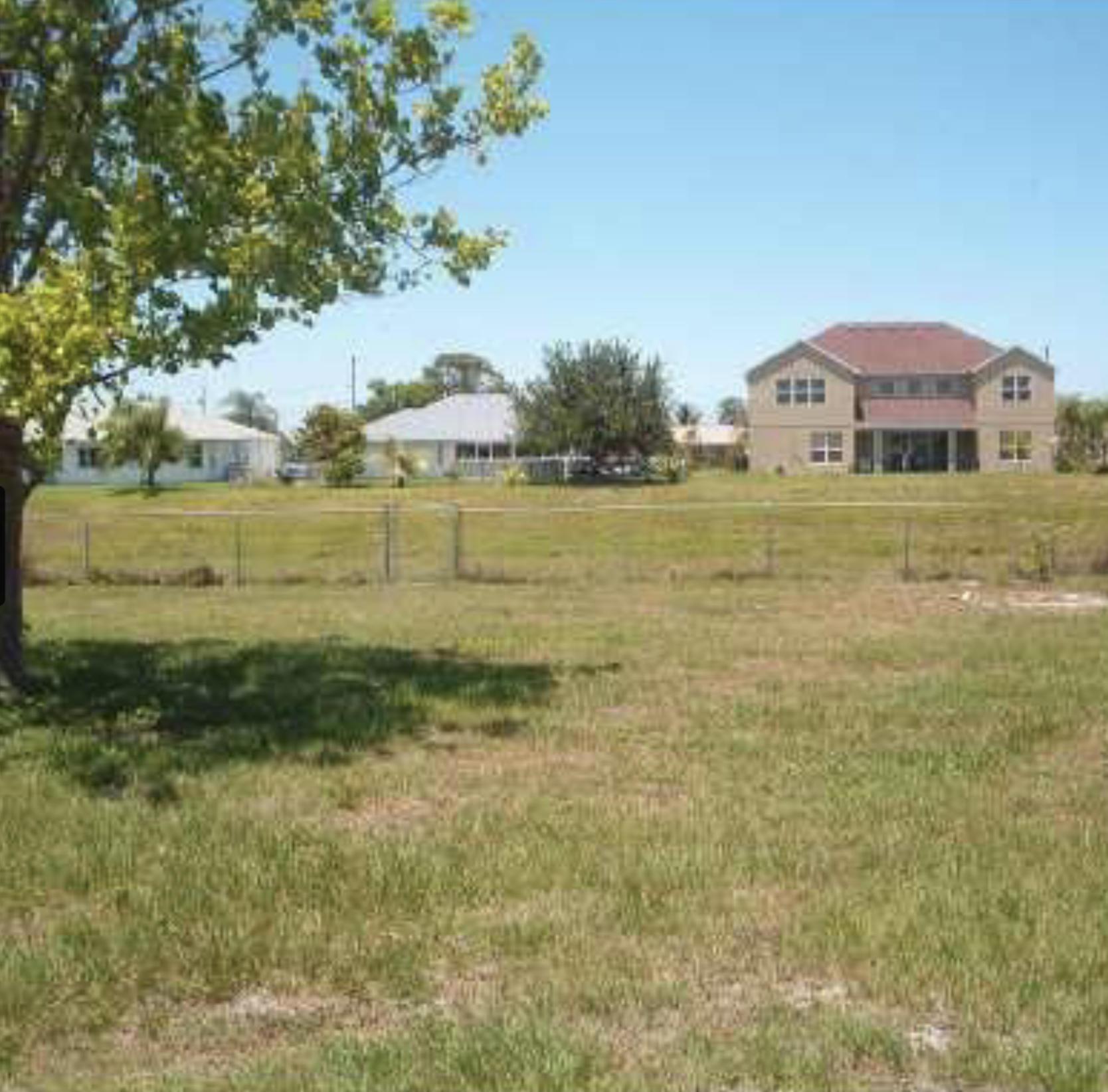 701 SW Belmont Circle  For Sale 10710912, FL