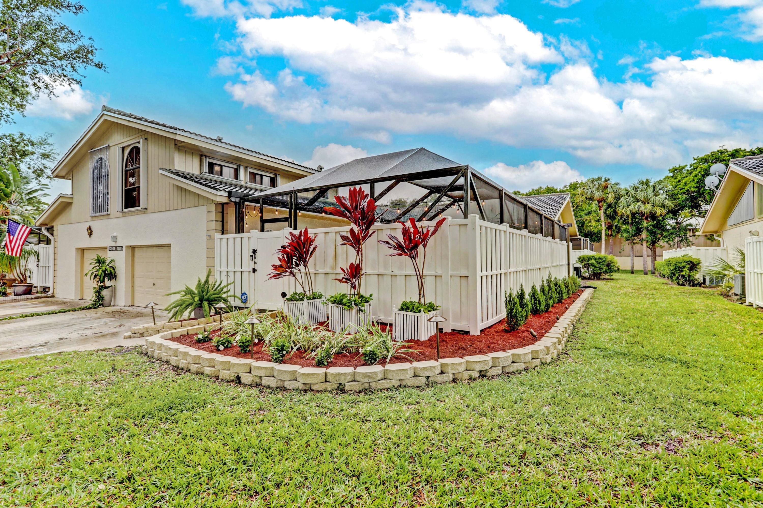 Home for sale in WESTWOOD LAKES 4 WESTWOOD GARDENS Palm Beach Gardens Florida