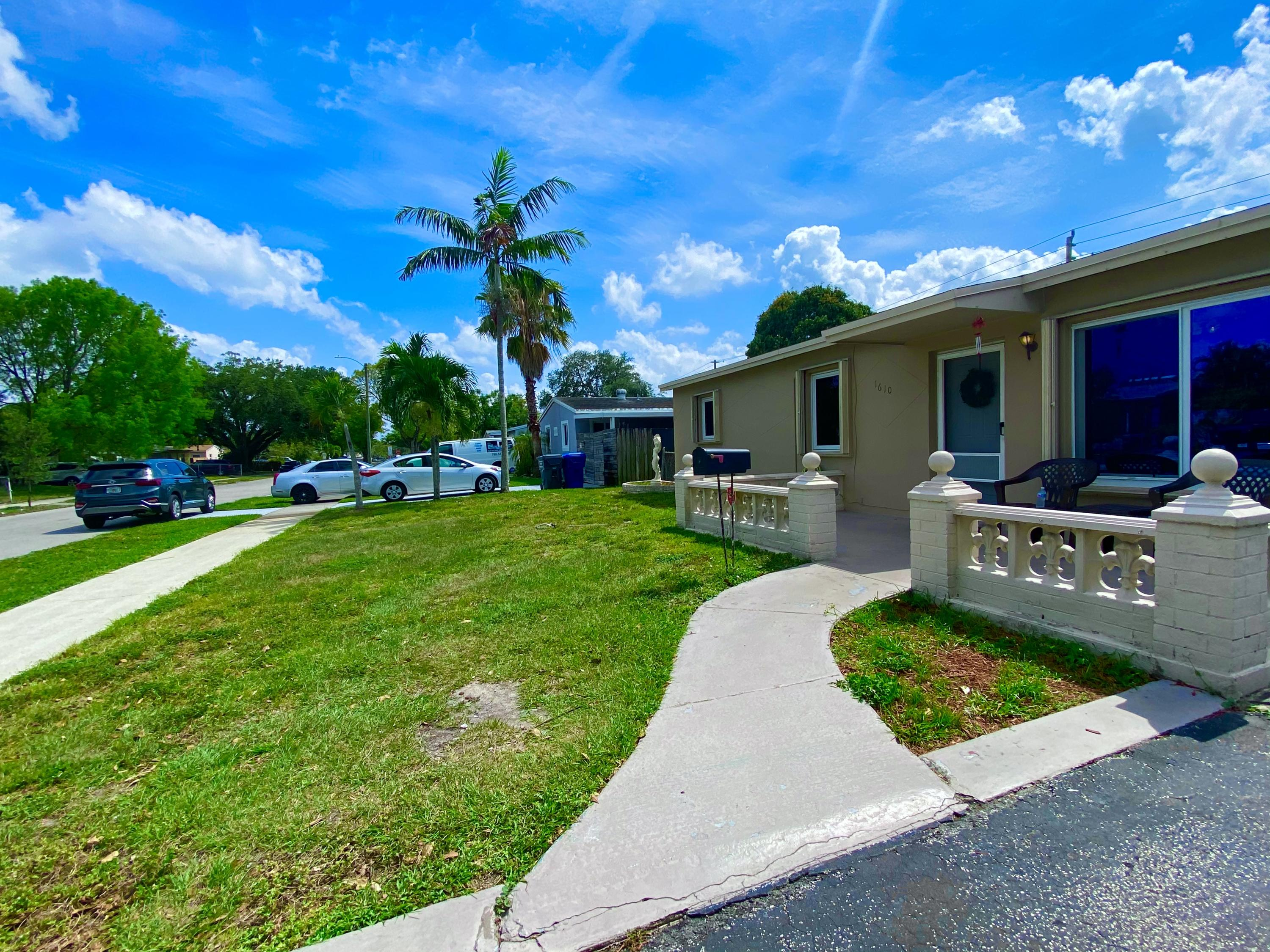 Home for sale in BOULEVARD HEIGHTS SEC 4 Hollywood Florida