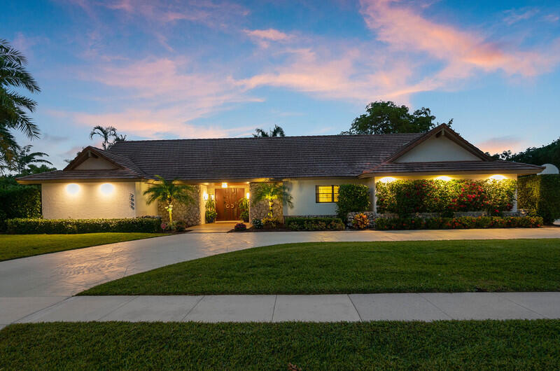 2000  Embassy Drive  For Sale 10711005, FL