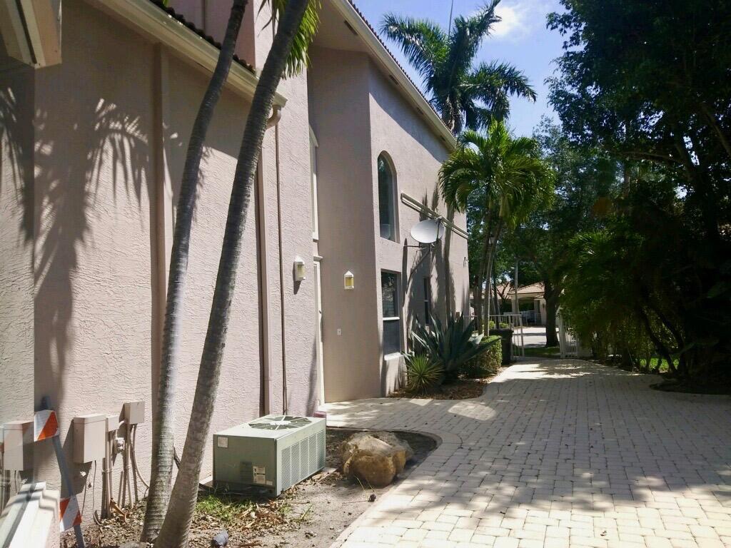2533 Coakley Point West Palm Beach, FL 33411 photo 36