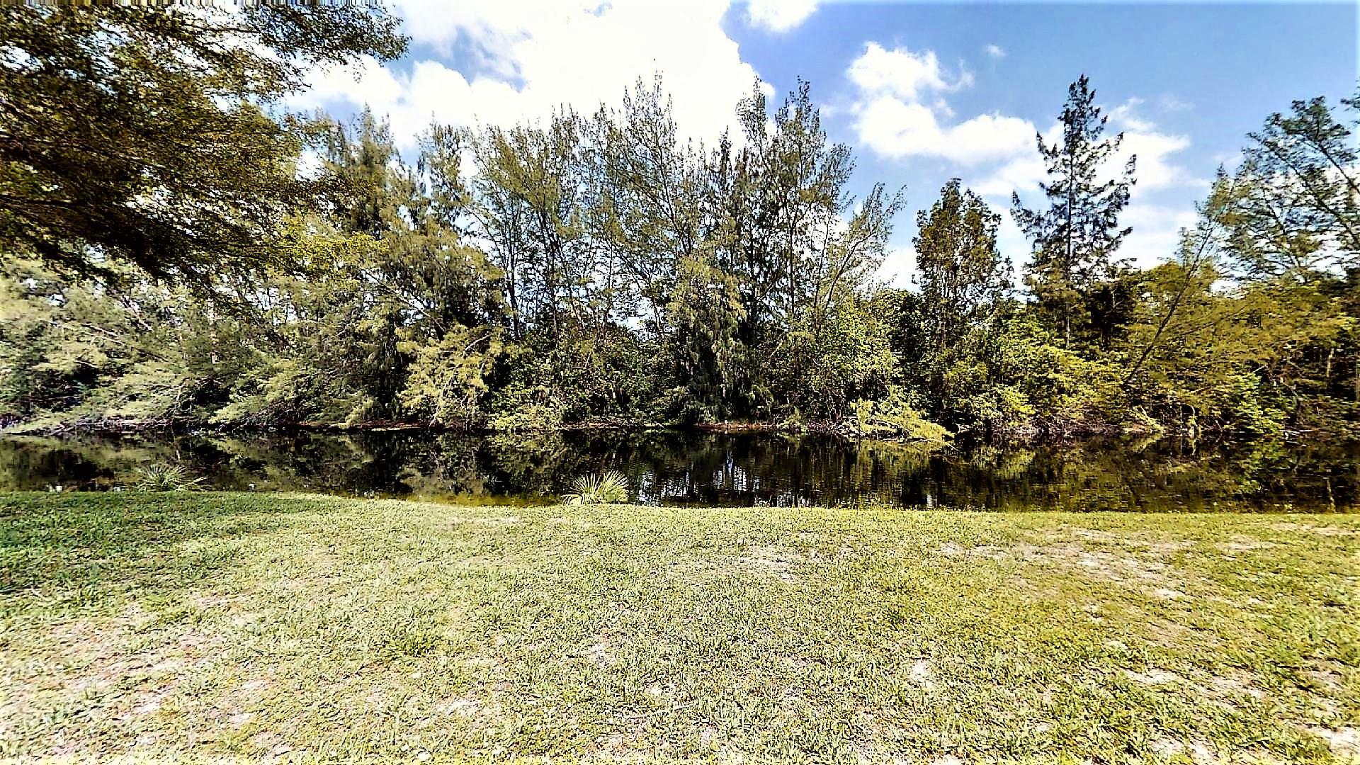 140  Lake Meryl Drive 135 For Sale 10711082, FL