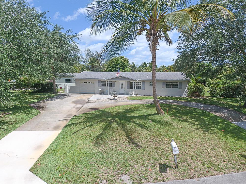 6541  Katherine Road  For Sale 10710425, FL