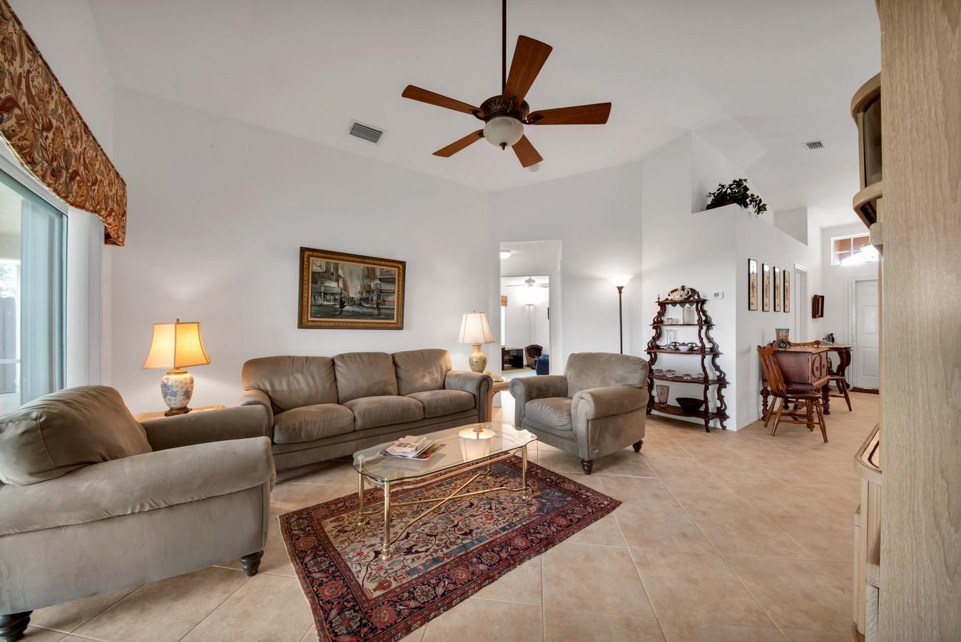 8162 Duomo Circle Boynton Beach, FL 33472 photo 3