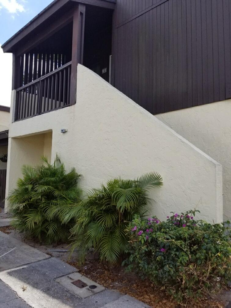 5268 Bosque Lane 28  West Palm Beach FL 33415
