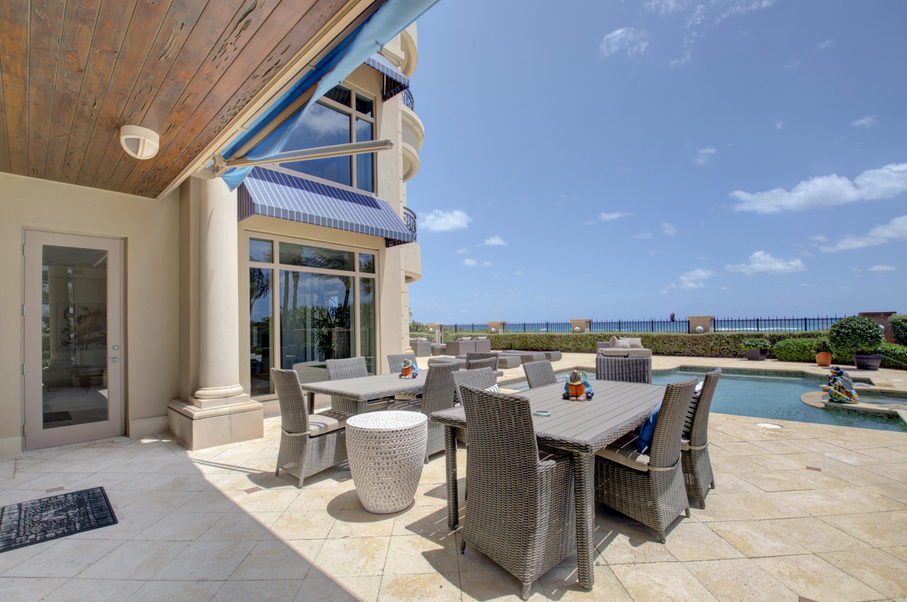 beach front dining - Copy