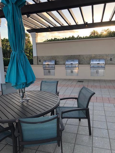 BBQ & Lounge Area