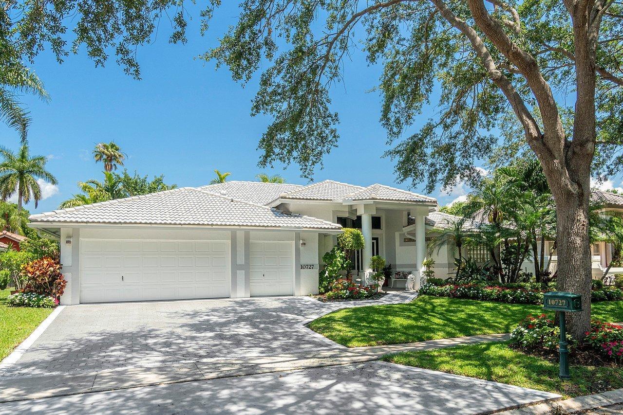 10727  Avenida Santa Ana   For Sale 10712084, FL