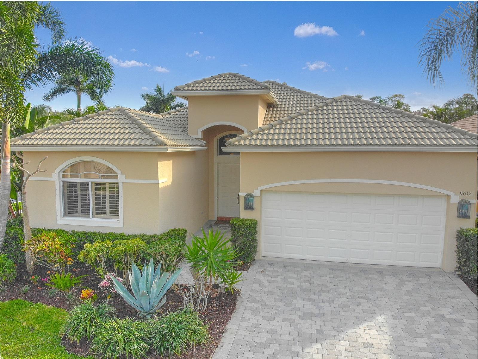 9012  Sand Pine Lane  For Sale 10711775, FL