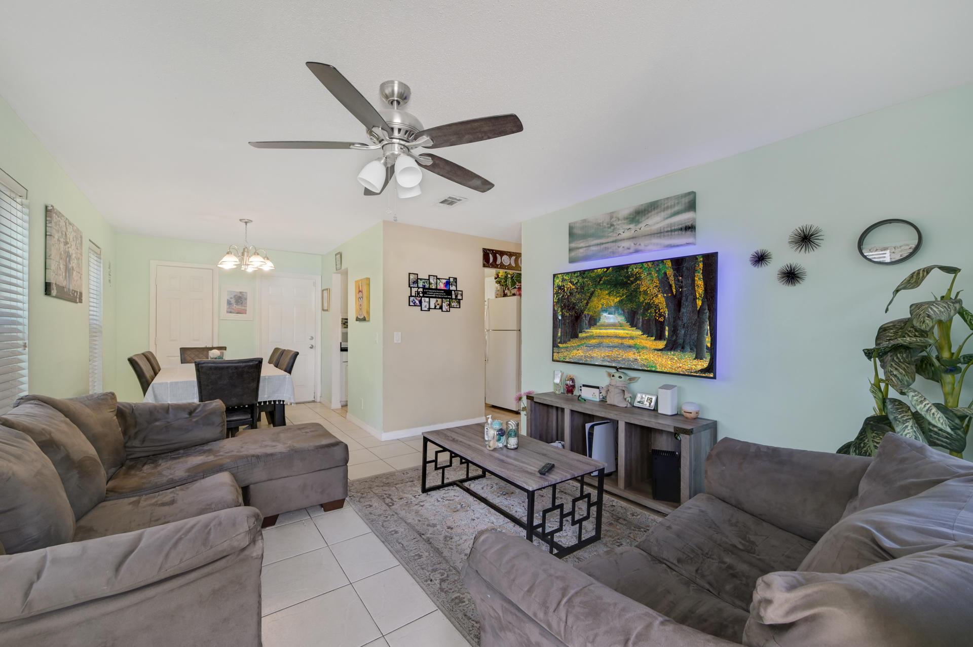 1459 8th Street West Palm Beach, FL 33401 photo 3