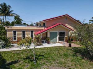 2469 Sun Up Lane, Lantana, FL 33462