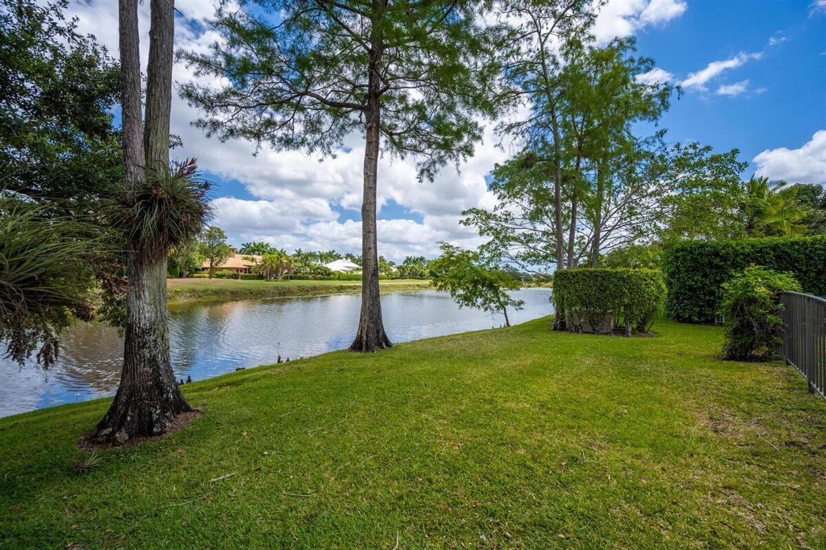 2710 Twin Oaks Way Wellington, FL 33414 photo 24