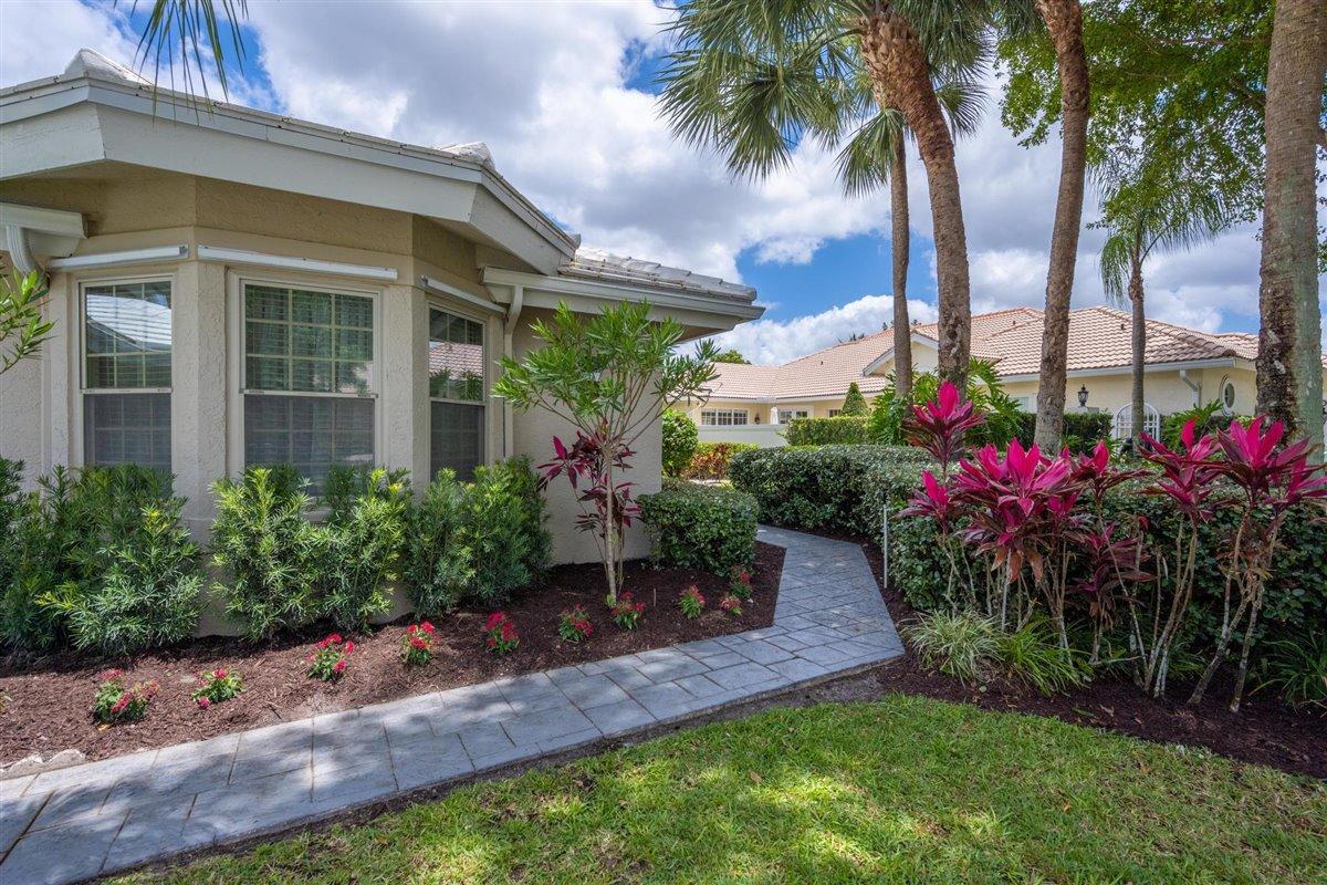 2710 Twin Oaks Way Wellington, FL 33414 photo 2