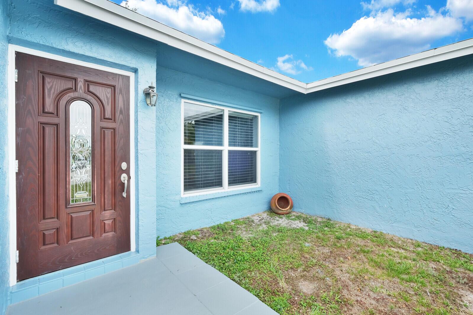 4180 Pine Aire Drive Lake Worth, FL 33467 photo 2
