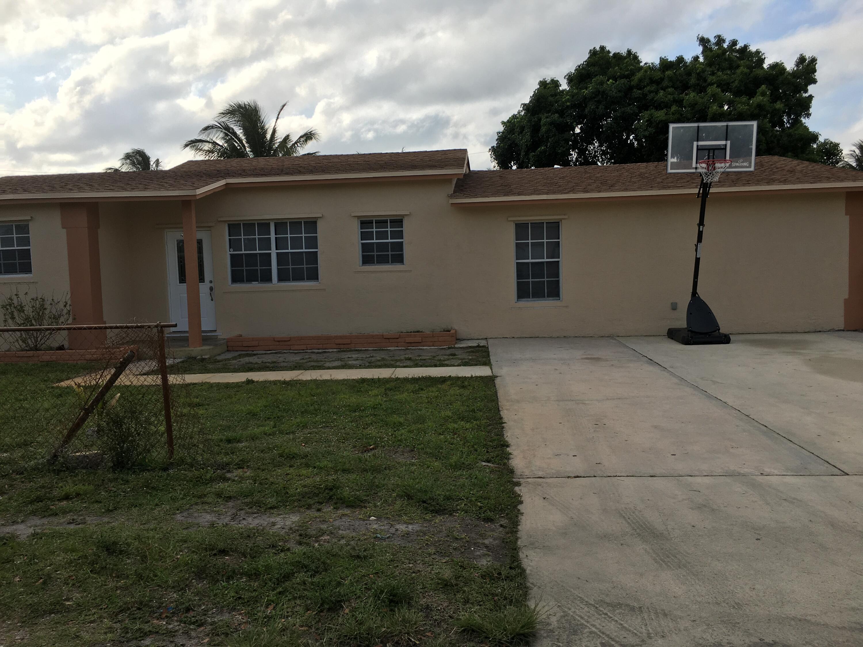 2139 NE 3rd Court  For Sale 10711866, FL