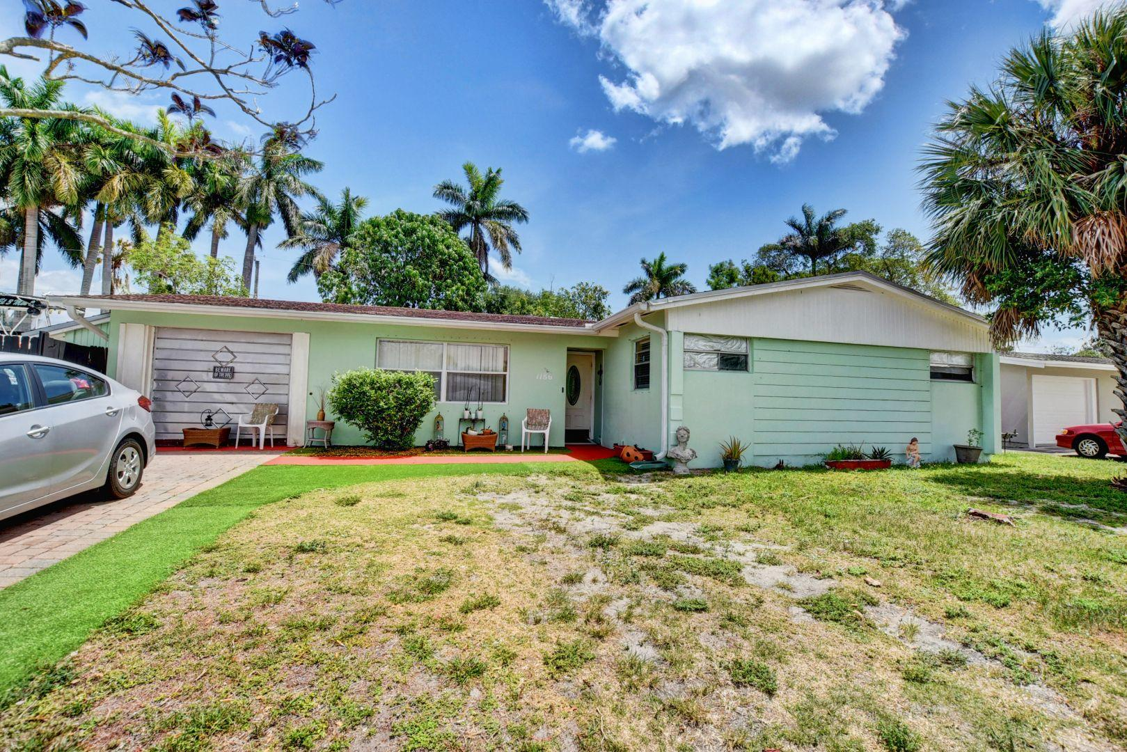 1186 Victoria Drive West Palm Beach, FL 33406