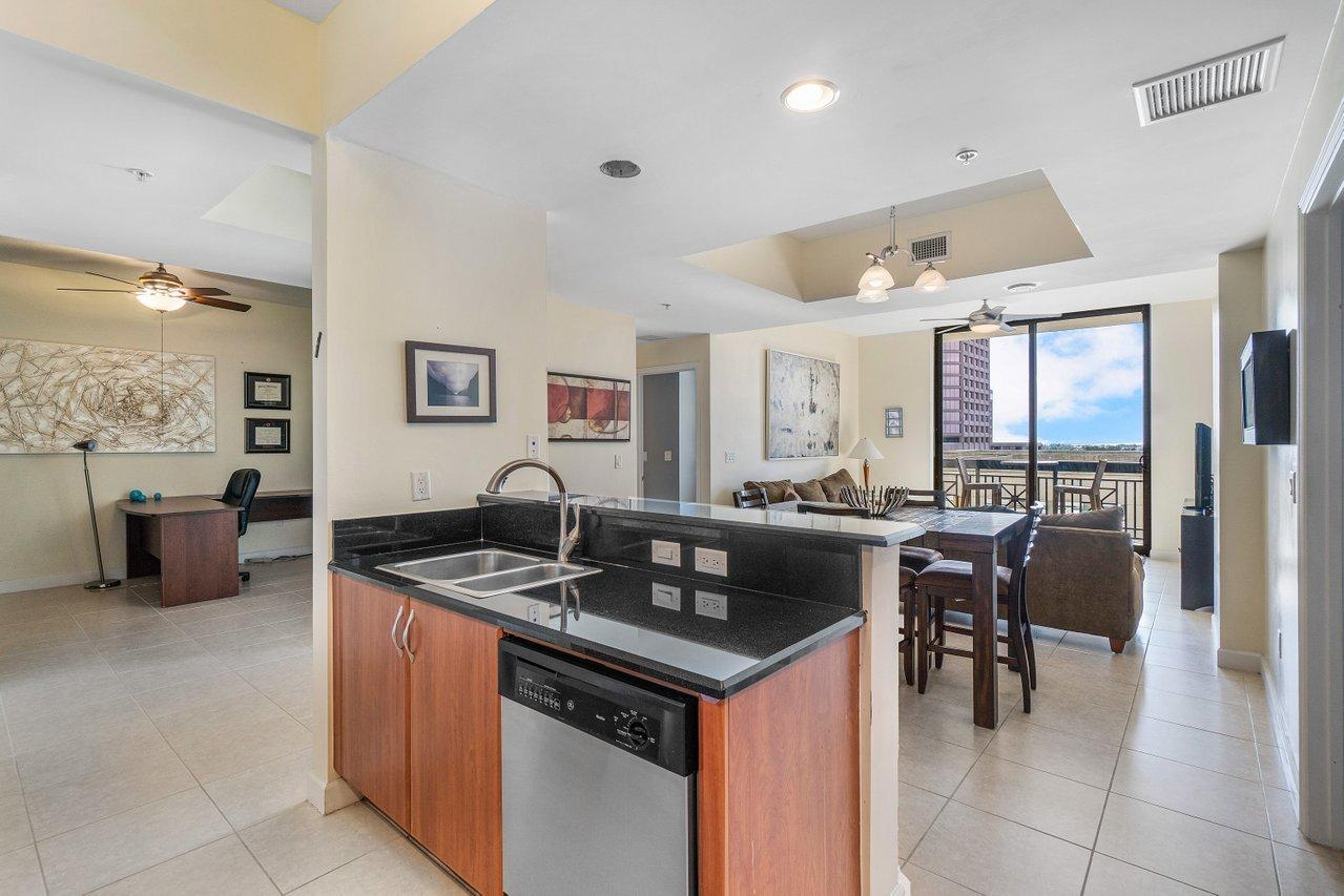 801 S Olive Avenue 609 For Sale 10711965, FL
