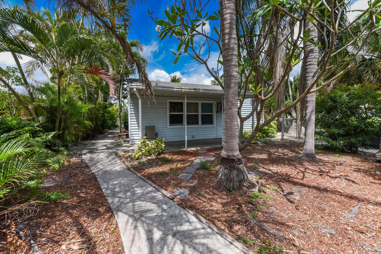 330 SE 1st Avenue  For Sale 10711992, FL