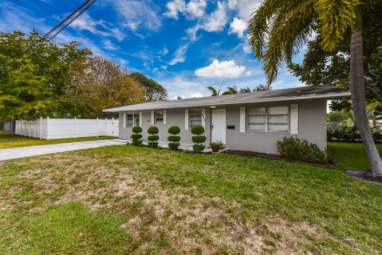 415 SE 3rd Avenue  For Sale 10712001, FL