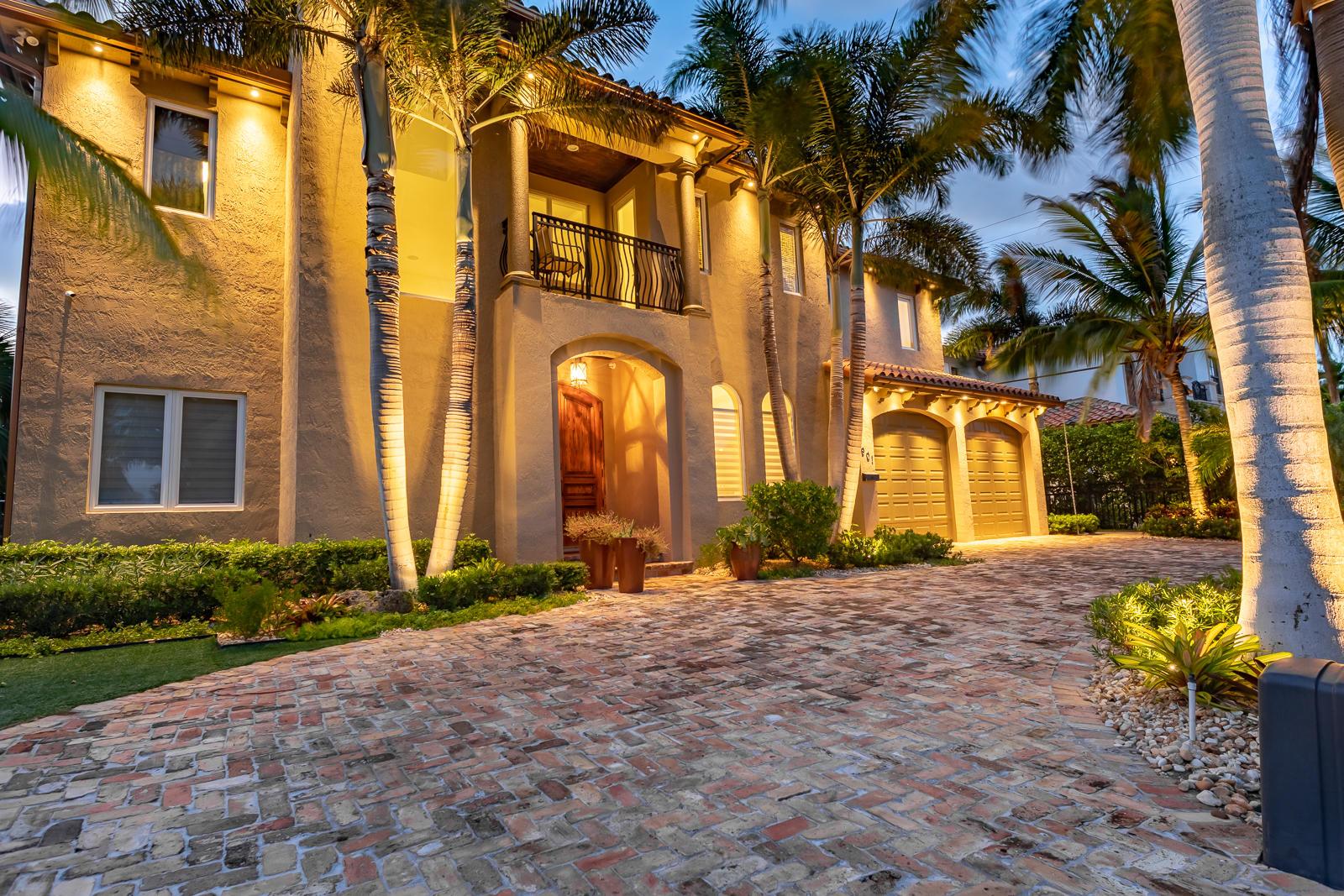 901 NE 4th Avenue  For Sale 10712012, FL
