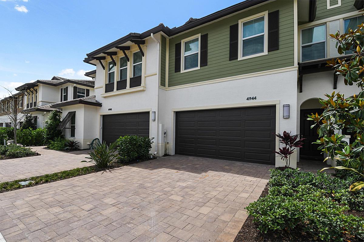 4944 Pointe Midtown Way Bldg 12 #56 Palm Beach Gardens, FL 33418