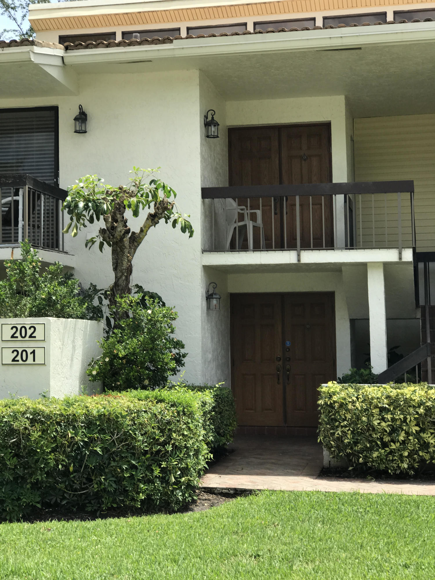 6890  Willow Wood Drive 202 For Sale 10712444, FL