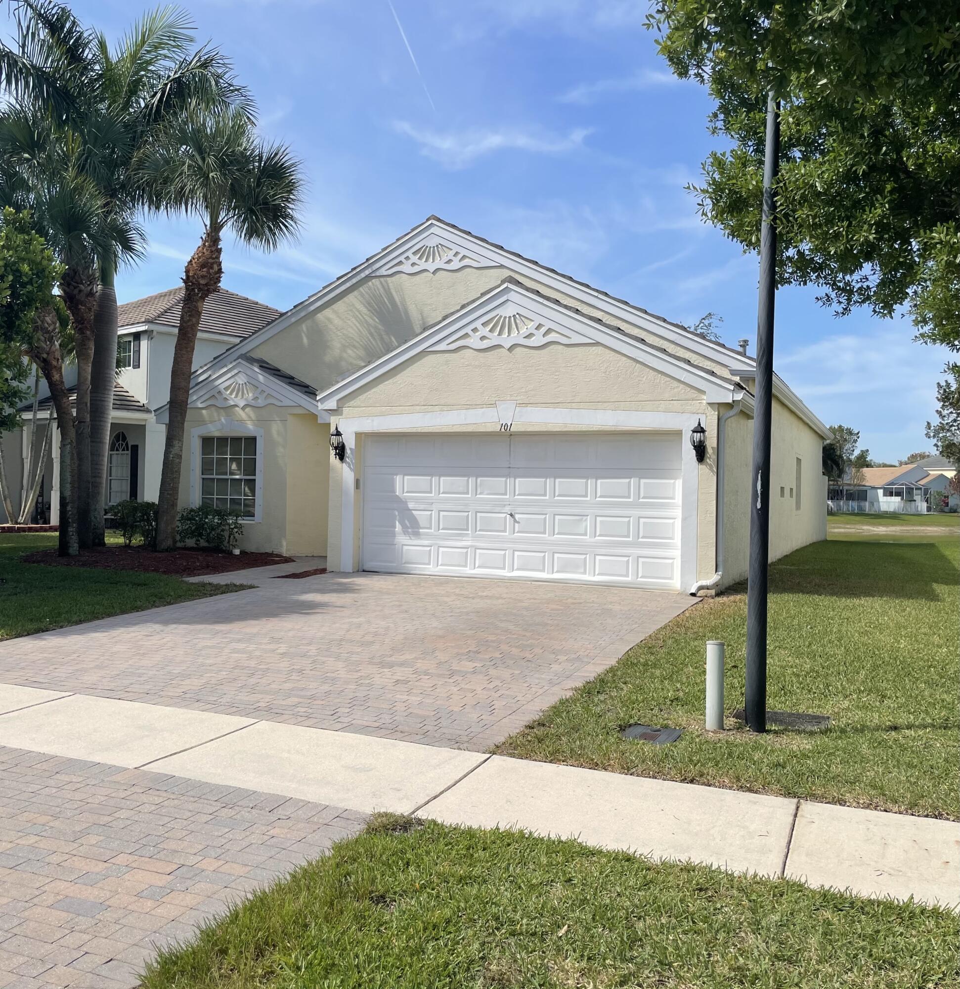 101 Canterbury Place Royal Palm Beach, FL 33414