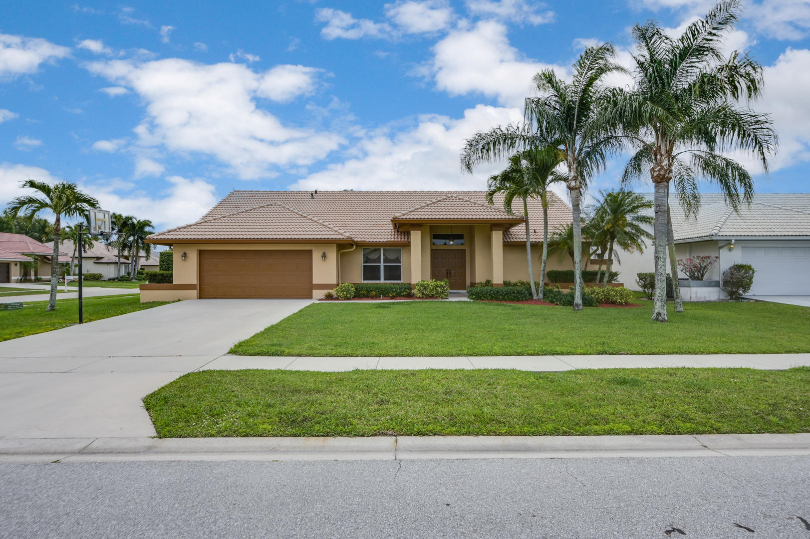 7064 Thunder Bay Drive Lake Worth, FL 33467 photo 2