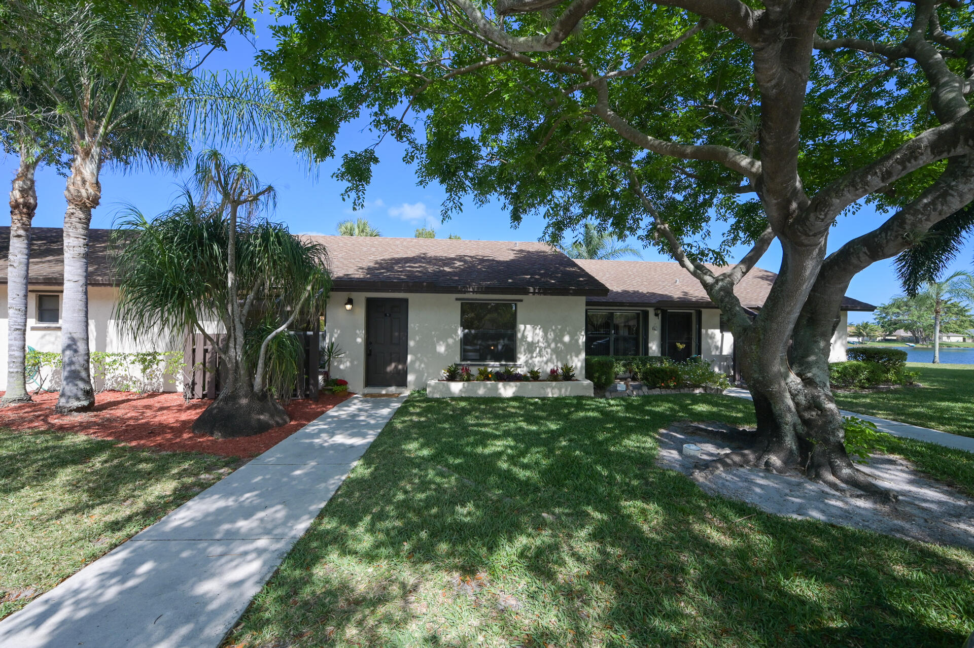 71 Via De Casas Norte Boynton Beach, FL 33426 small photo 1