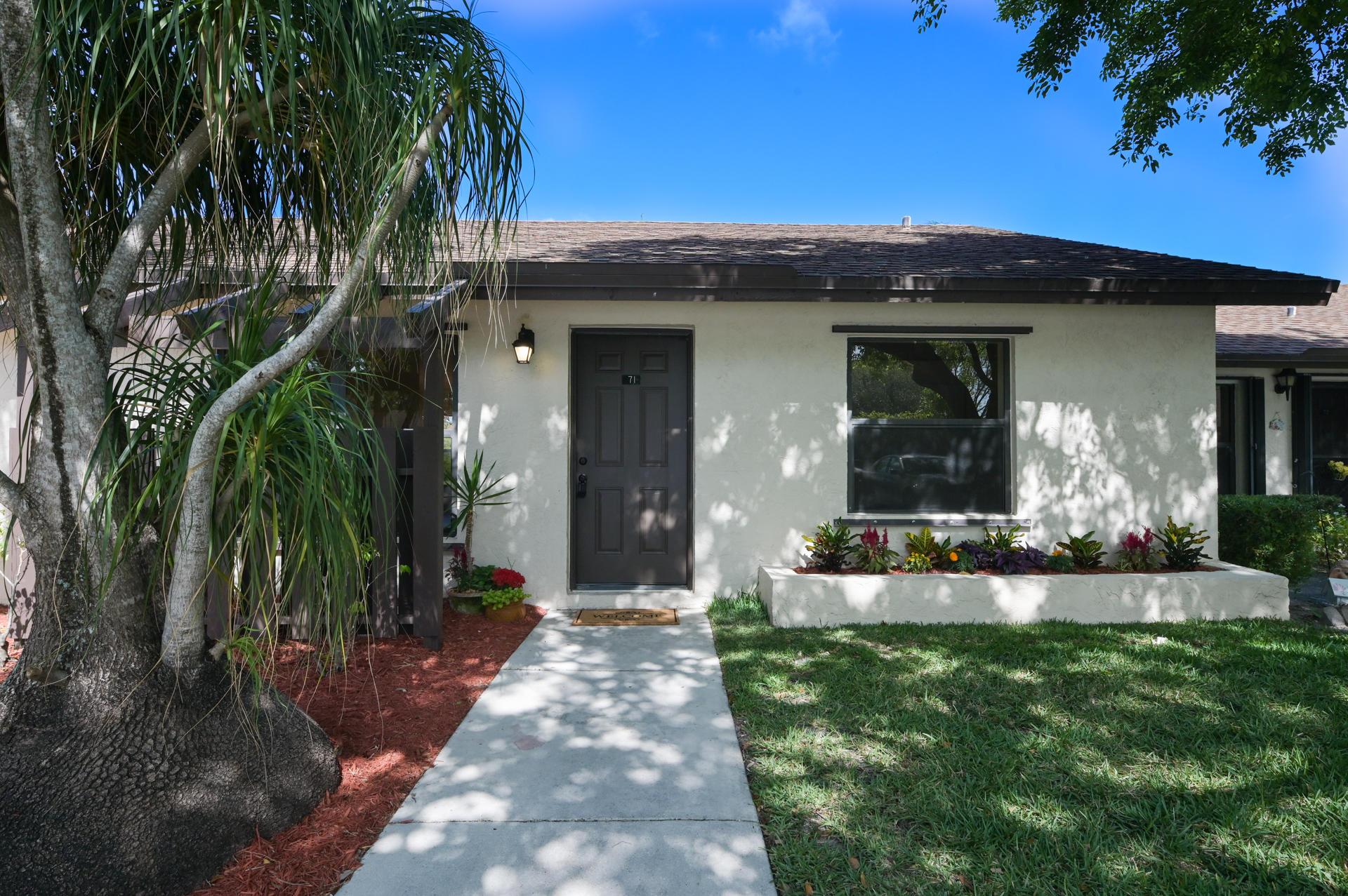 71 Via De Casas Norte Boynton Beach, FL 33426 photo 3