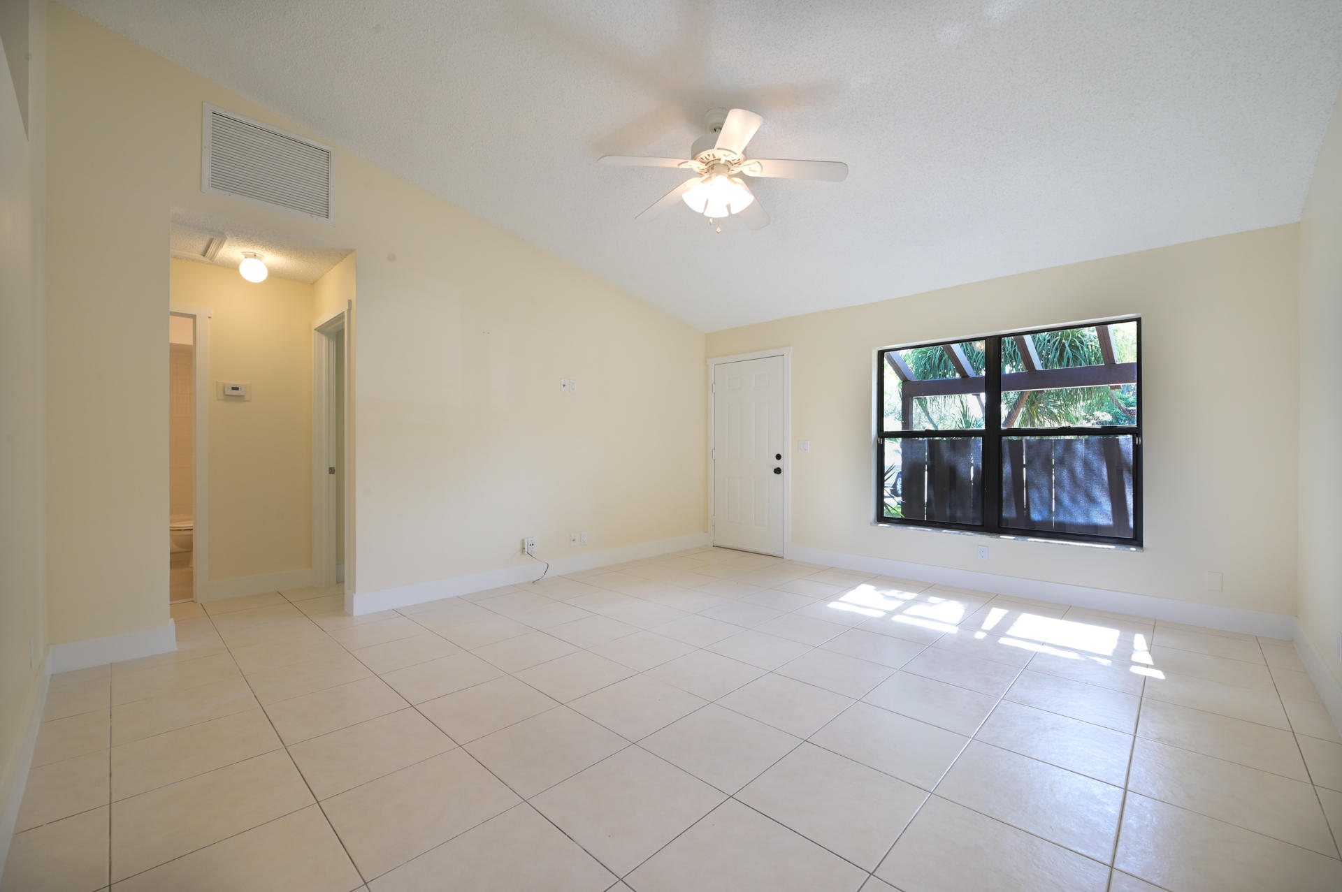 71 Via De Casas Norte Boynton Beach, FL 33426 photo 6