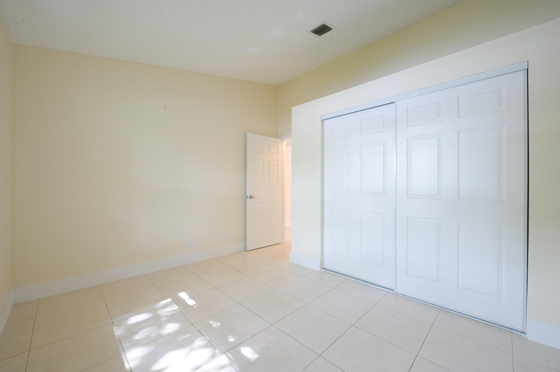 71 Via De Casas Norte Boynton Beach, FL 33426 small photo 15