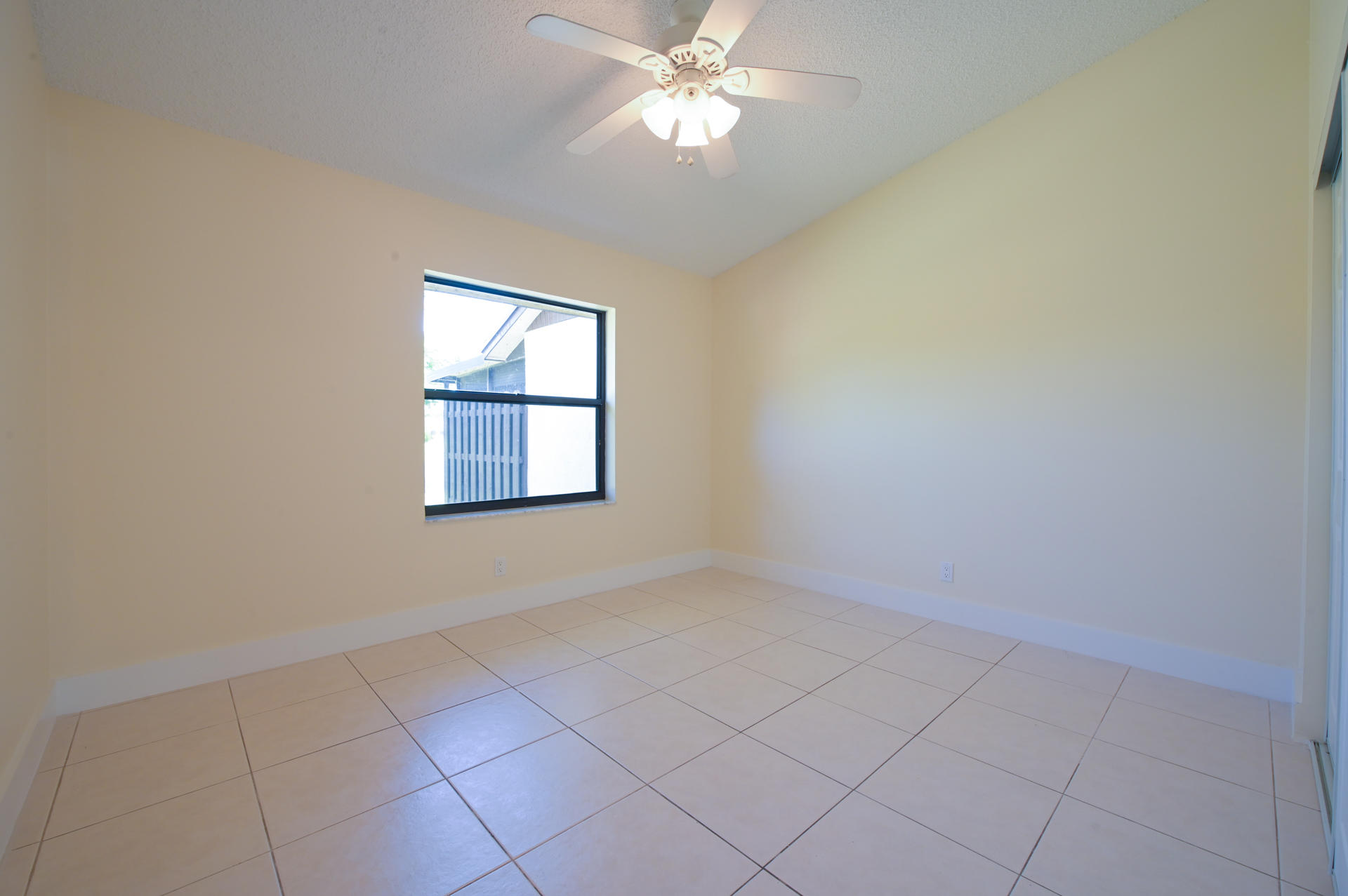 71 Via De Casas Norte Boynton Beach, FL 33426 photo 17