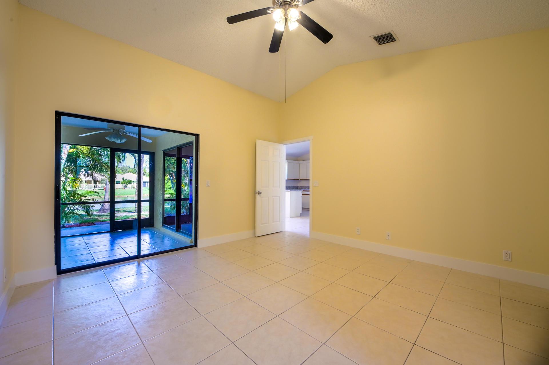 71 Via De Casas Norte Boynton Beach, FL 33426 photo 11