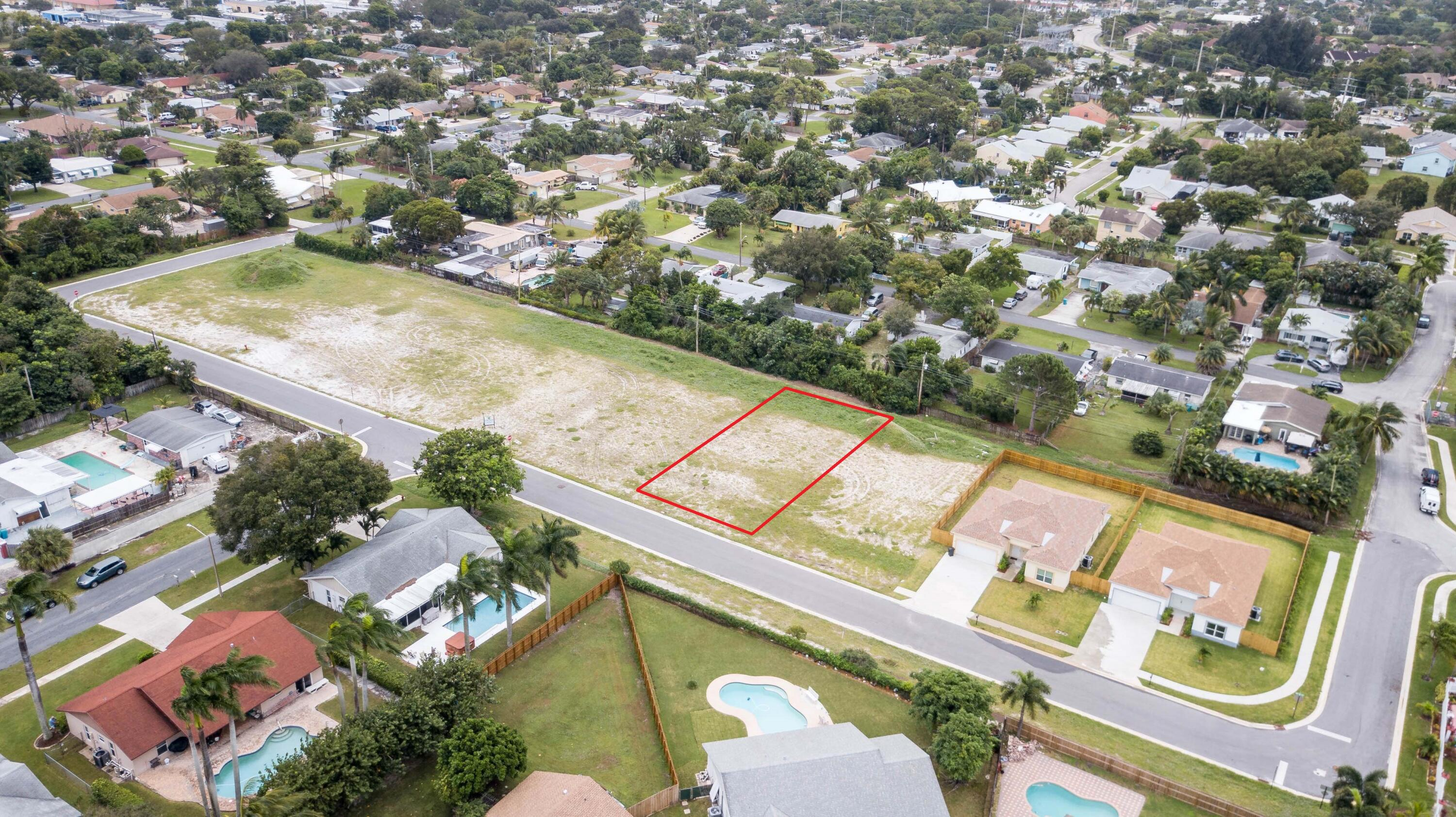 922 NW 9th Avenue  For Sale 10712261, FL