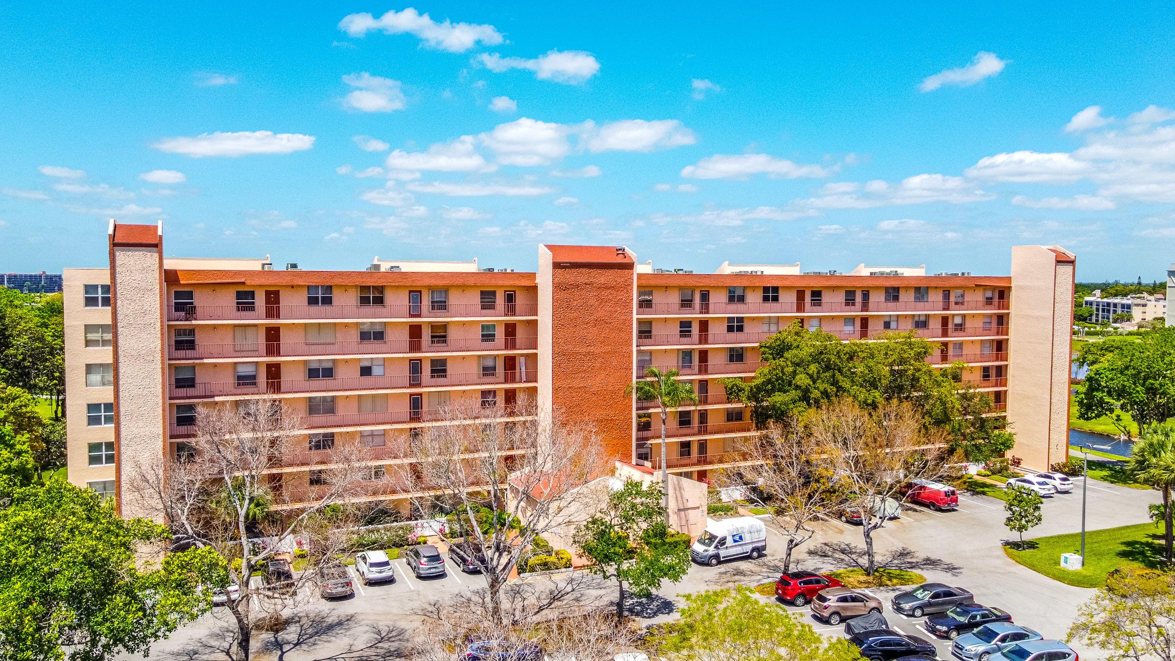 14575  Bonaire Boulevard 106 For Sale 10726321, FL
