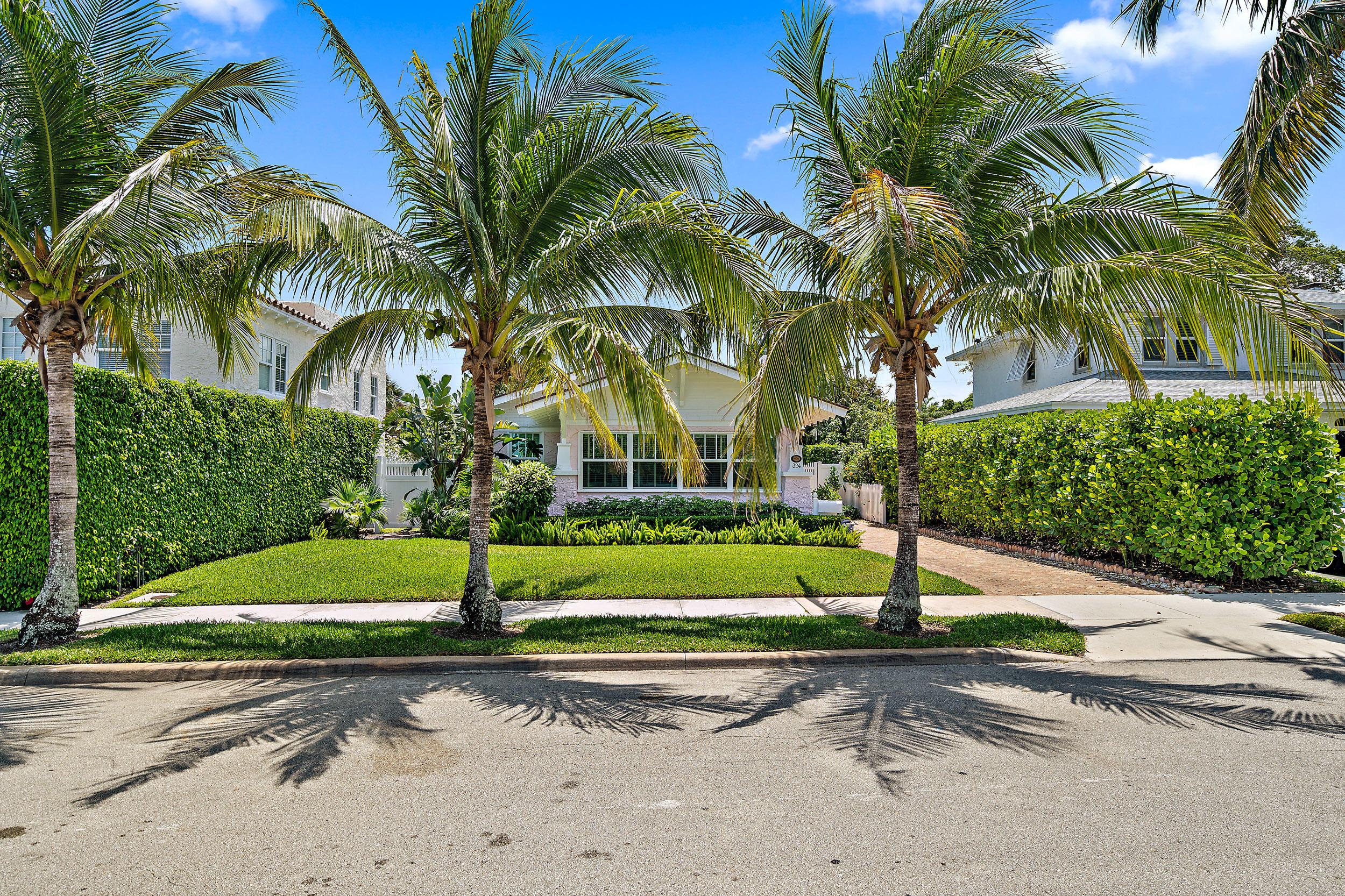 324 Edgewood Drive West Palm Beach, FL 33405 photo 2