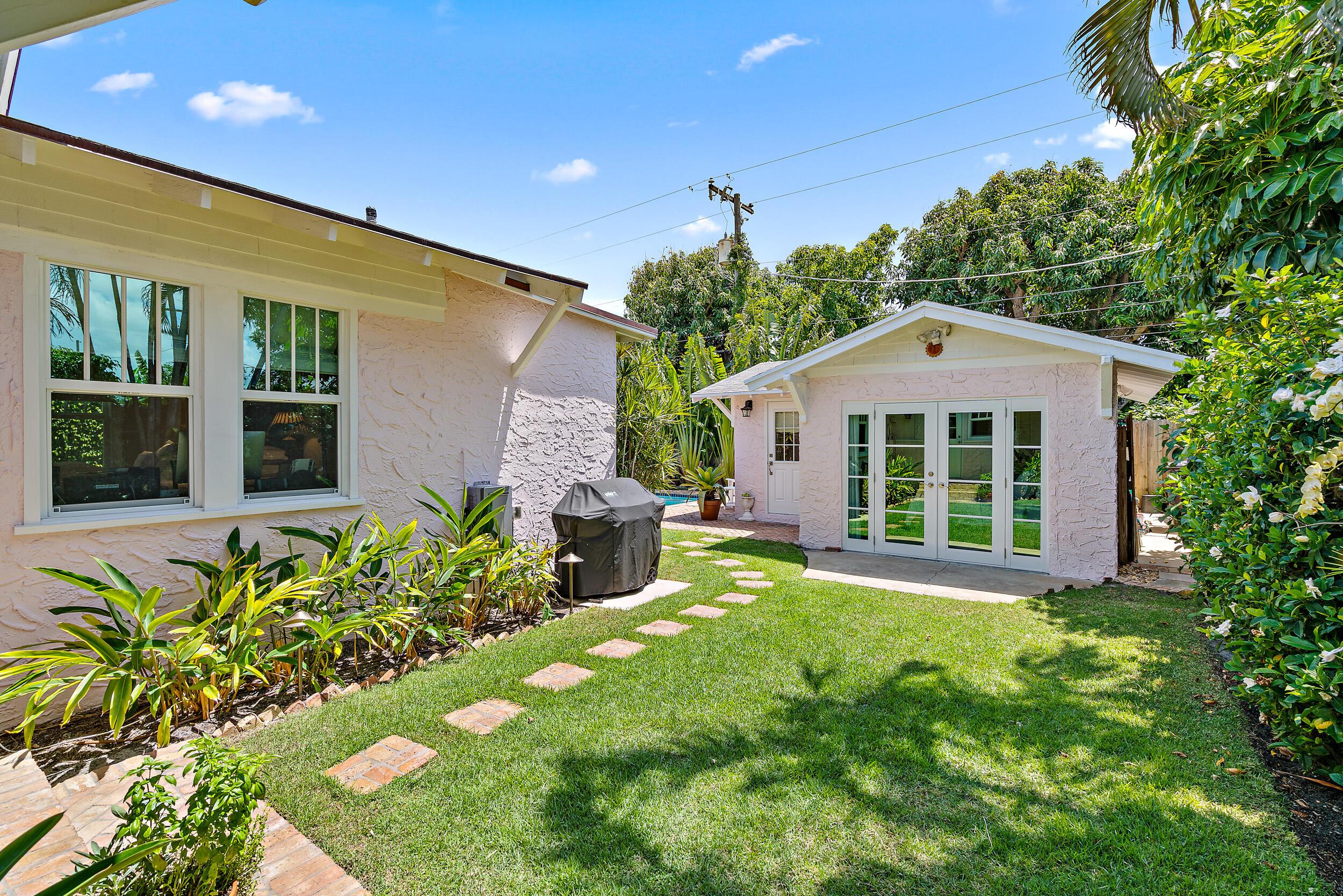 324 Edgewood Drive West Palm Beach, FL 33405 photo 20