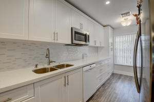 1560 NW 18th Avenue, 203, Delray Beach, FL 33445
