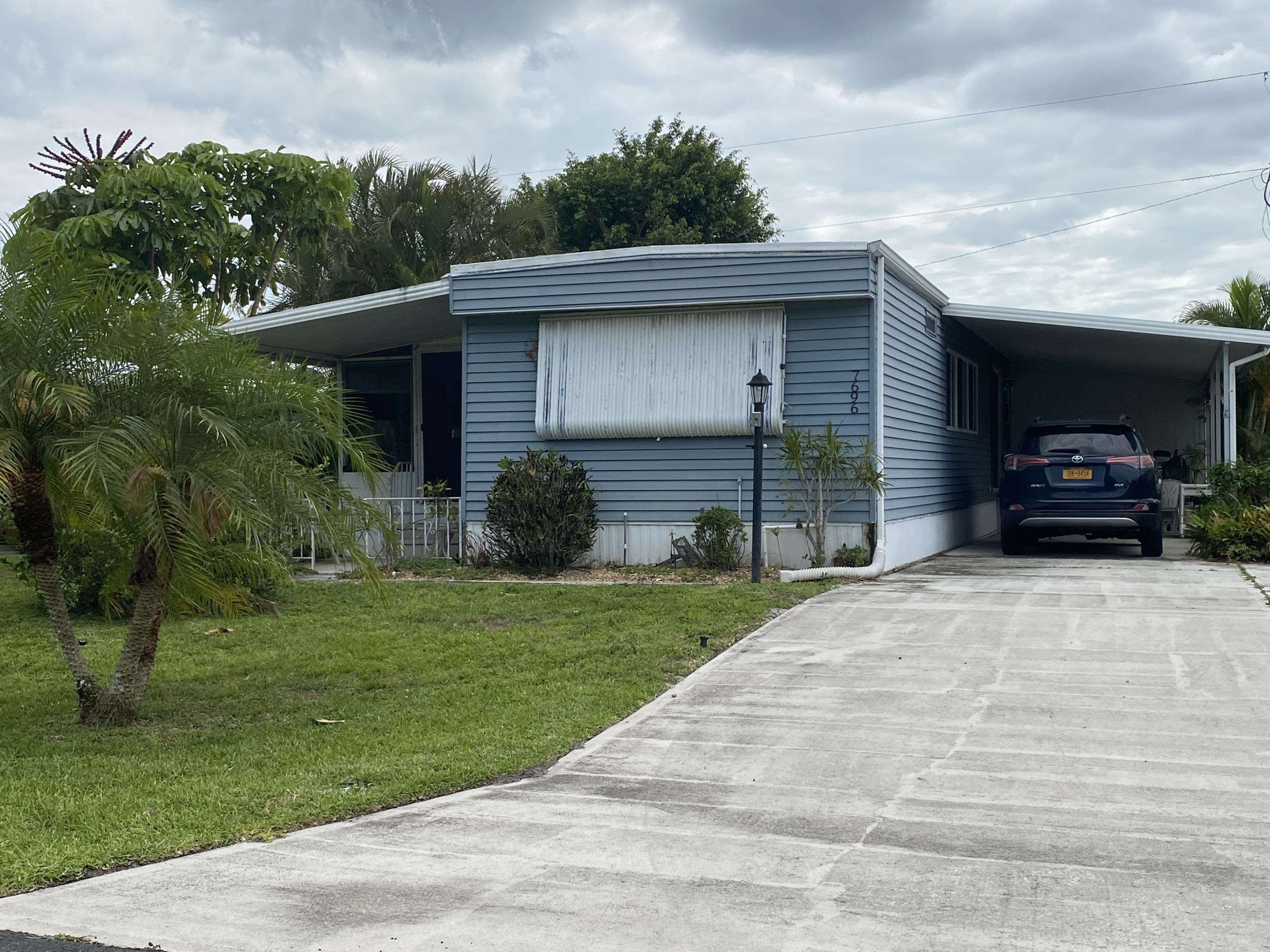 Home for sale in RIDGEWAY MOBILE HOME SUBDIVISION PLAT NO 1 2 Hobe Sound Florida