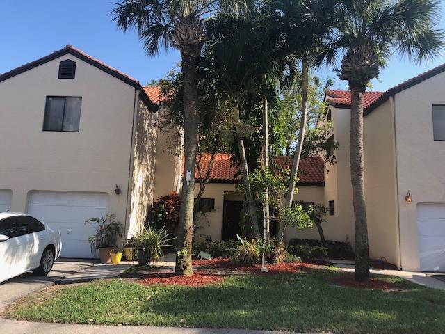 12 Via De Casas Sur 102  Boynton Beach FL 33426
