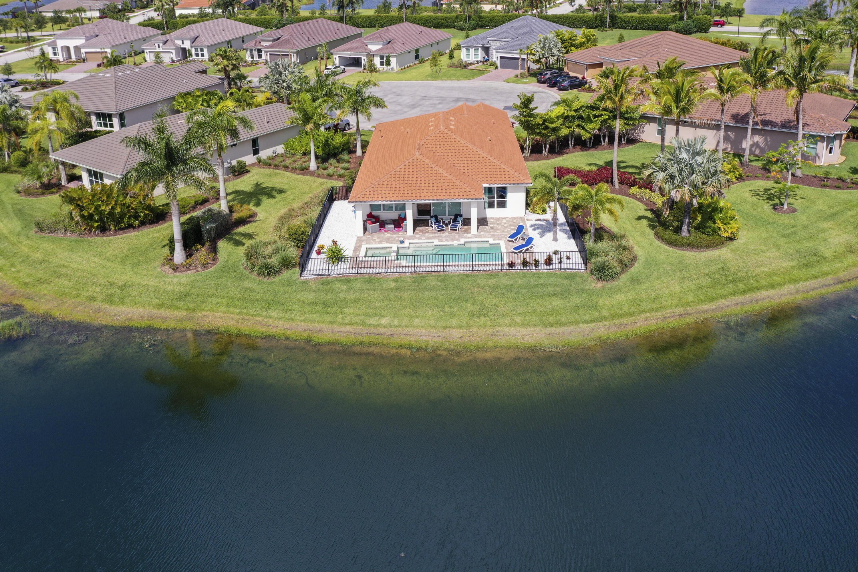 10067 SW Red Oak Court Port Saint Lucie, FL 34987