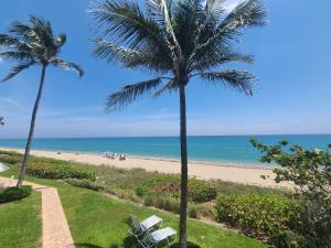 3851 N Ocean Boulevard, 210, Gulf Stream, FL 33483