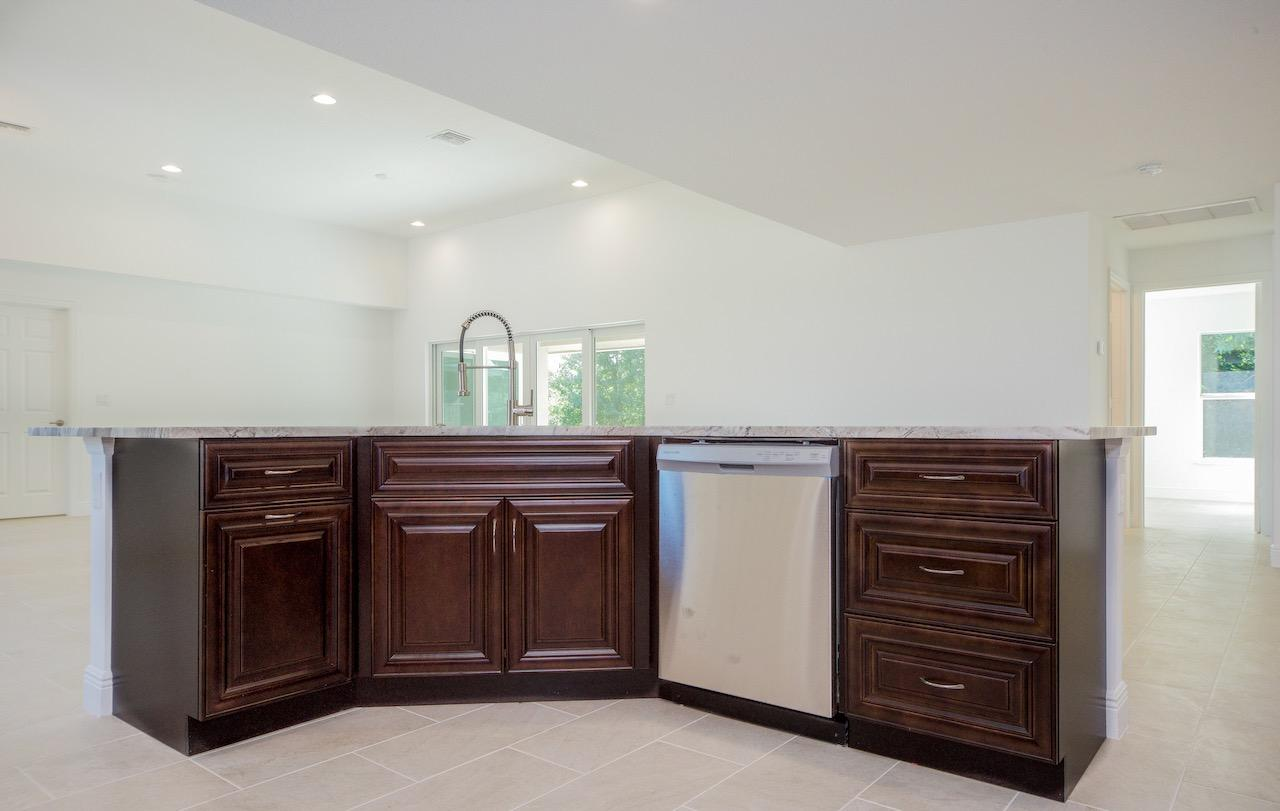 Listing photo id 20 for 1538 Abacus Avenue Sw