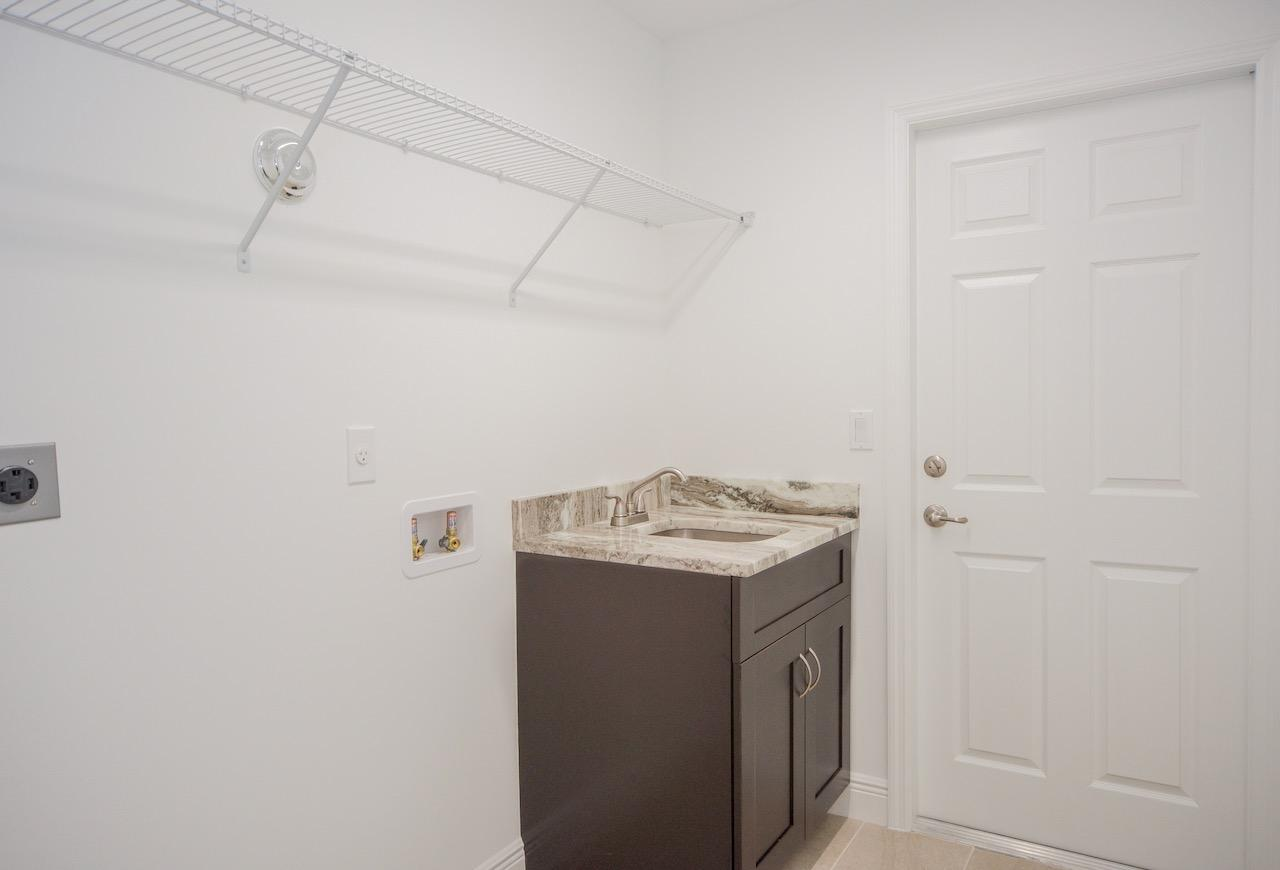Listing photo id 28 for 1538 Abacus Avenue Sw