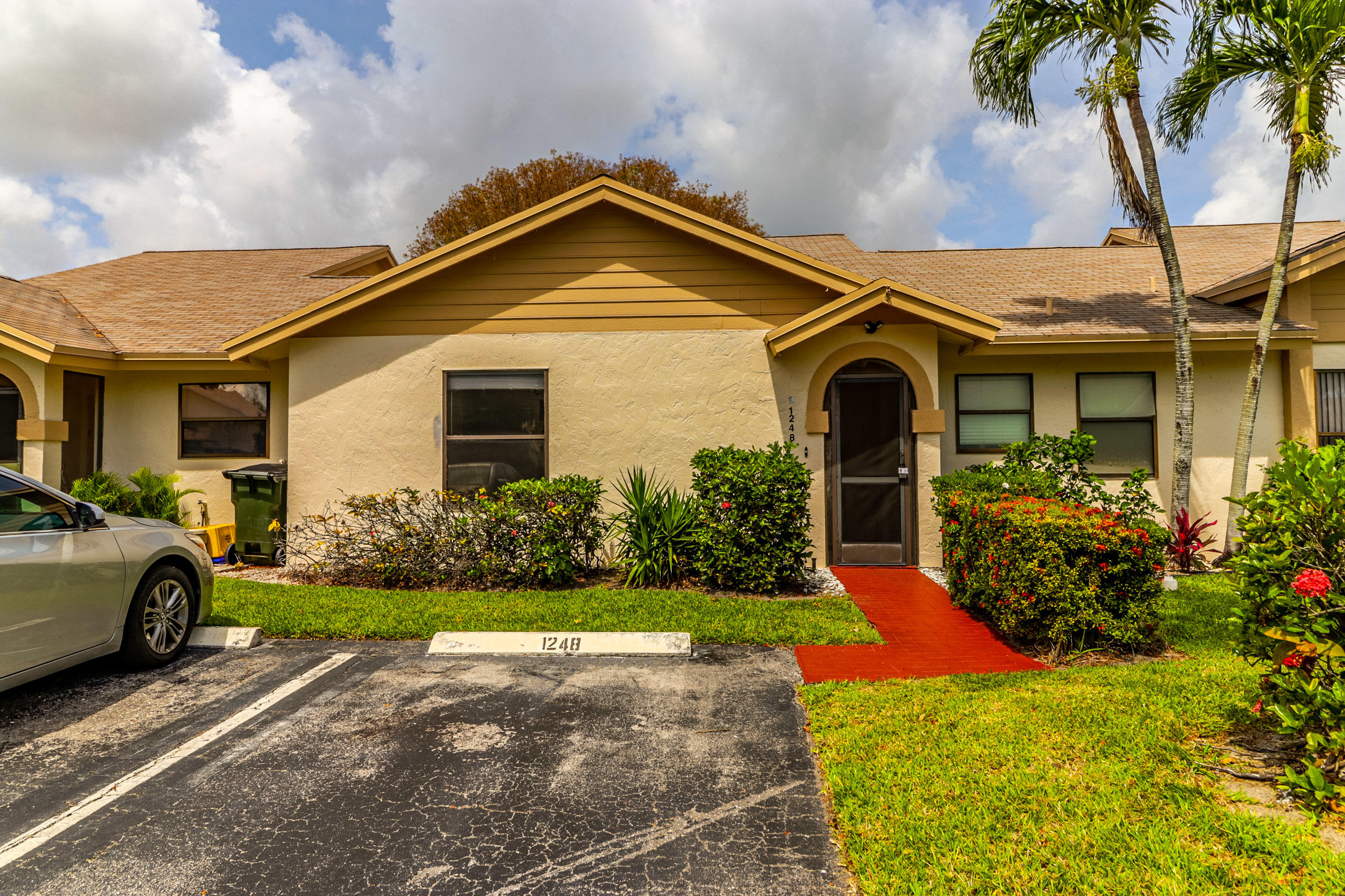 1248 NW 24th Avenue  For Sale 10712731, FL